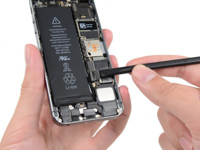 Как сделать замену батарейки iPhone 5/5C